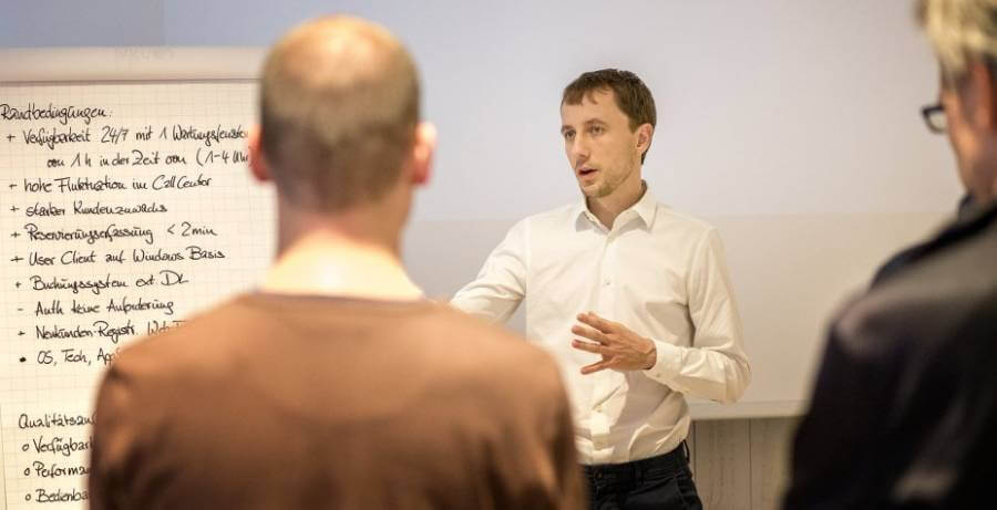 Lebendige Softwarerarchitketur mit Sebastian Hirschmeier