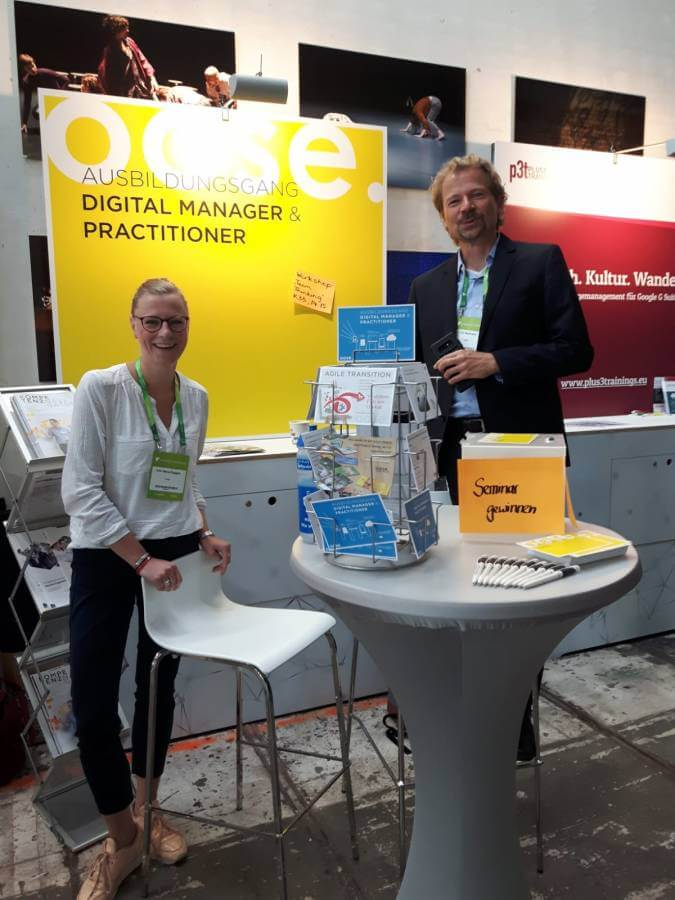 Vereint auf der Solutions 2018 in Hamburg: oose Vorstand Kim Nena Duggen und Tim Weilkiens.