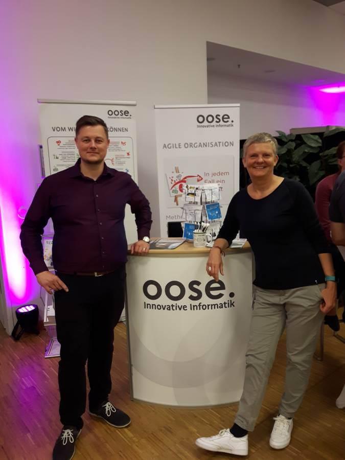 oose-Trainer und Agile-Experten: Tina Busch und Jan Rosburg bei der Manage Agile 2018